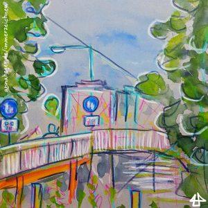 Zeichnung mit Buntstift und Aquarell: Fussgängerweg-Schilder auf einer Brücke mit  Baustelle, eingerahmt vom Blattwerk von Bäumen. Als Signatur: annaheger.de/immerzeichnen.