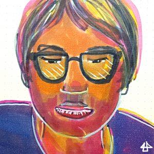 Filzstift-Zeichnung in extremen gelb, pink und lila Tönen. Porträt einer Person mit roten Lippen, leicht angedeutetem Bartschatten und hellen glatten Haare gerade übers Ohr. Der Blick durch die großen dunklen Brillengläser ist nachdenklich nach unten gerichtet.