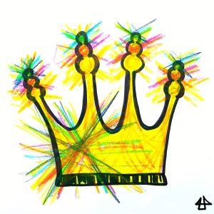 Symbol einer Krone mit vier unterschiedlichen hohen Zacken. Die linke Seite der leuchtend gelben Krone und die drei Kugeln, übereinander am Ende der Zacken,  blitzen in allen Farben des Regenbogens.