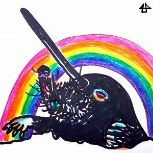 Der Kopf und die Schaufelhände eines Maulwurfes, der ein langes säbelartiges Horn auf der Stirn trägt, Zeichnung mit schwarzem Filzstift, dahinter eine Regenbogen, Bunstifte.